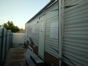 RV -trailer 30 ft - 2005 for Sale in Miami Gardens, FL