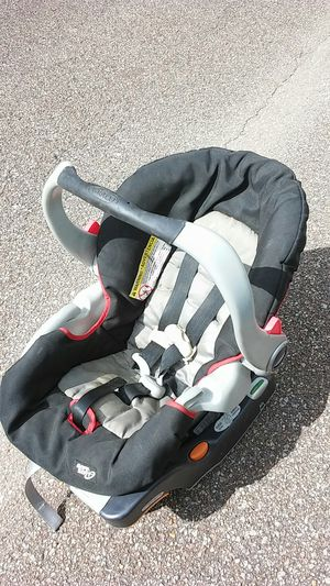 Car seat for Sale in Saucier, MS