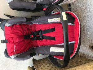 2 car seats for Sale in Avondale, AZ