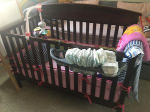 Graco Baby Crib with bumpers + mattress + mattress pad for Sale in Walnut Creek, CA