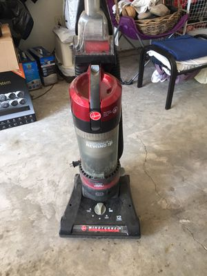 Hoover wind tunnel Vacuum / Retractable cord for Sale in Kennedale, TX