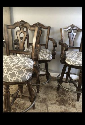 Antique Style Chairs-4 for Sale in Moreno Valley, CA