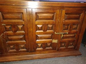 Antique dresser full wood for Sale in Queens, NY