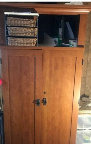 Computer hutch for Sale in Watsonville, CA