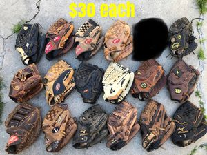 Baseball Gloves mizuno Easton Rawlings Wilson equipment bats A2000 heart of the hide for Sale in Los Angeles, CA