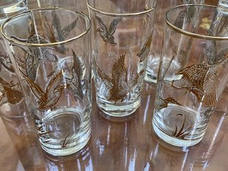 FLYING GEESE DUCKS VINTAGE SET OF 8 GOLD RIM RIMED DRINKING GLASSES, LIBBEY? for Sale in San Leandro,  CA