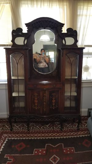 Antique China Cabinet for Sale in Batesburg-Leesville, SC