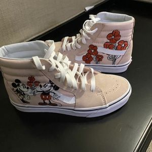 Disney Mickey and Minnie Vans Sk8-Hi (W) 6.5 for Sale in Hollywood, FL