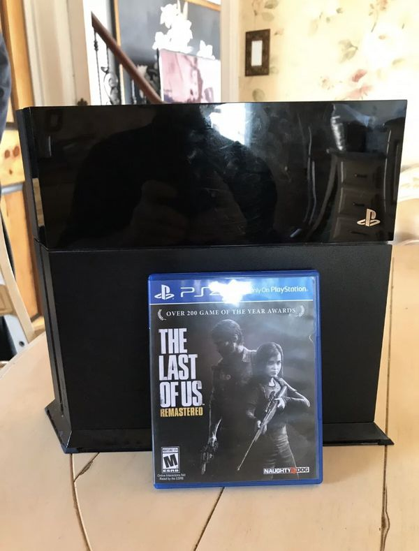 Sony PlayStation 4 PS4 CUH-1215A 500GB Video Game Console - Black