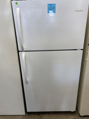 Frigidaire Refrigerator for Sale in Burlington, NJ