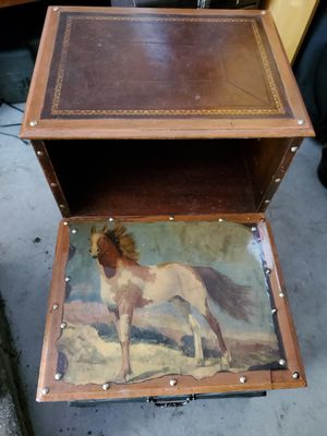 End table for Sale in Reynoldsburg, OH