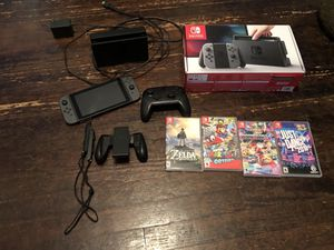 Nintendo switch w/4 games and a extra controller for Sale in Houston, TX