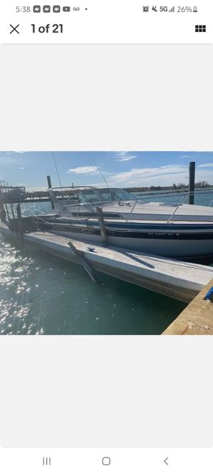 87 wellcraft 33ft cabin cruiser sleeps 6 for Sale in Redford Charter Township, MI
