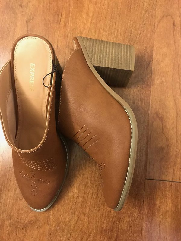 Brand new express Western Heeled Mules size 8 (pick up only)