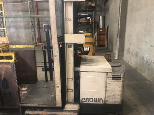 Crown forklift for Sale in Whittier, CA