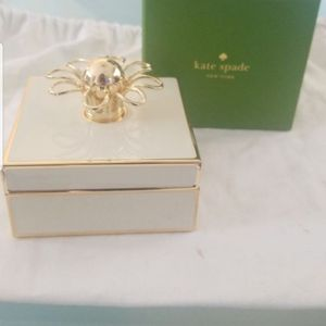 New KATE SPADE IVORY JEWELRY BOX for Sale in Tracy, CA