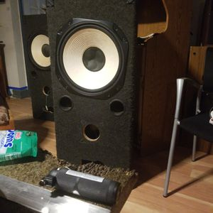 Speaker With Box for Sale in SeaTac, WA