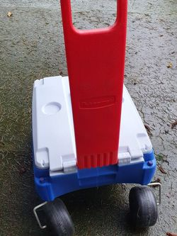 Rubbermaid Cooler for Sale in Seattle,  WA