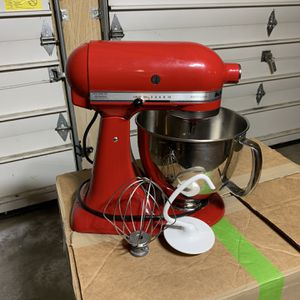 Artisan® Series 5 Quart Tilt-Head Stand Mixer for Sale in Tacoma, WA