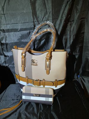 Burberry Bag/wallet for Sale in Katy, TX