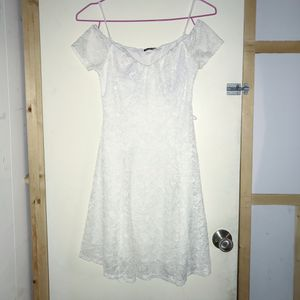 White flower pattern dress for Sale in Tustin, CA