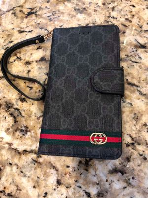Gucci wallet (fit for all phones) for Sale in Tampa, FL