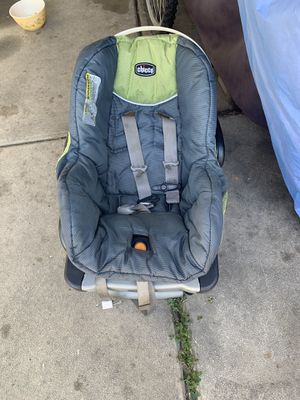 Chico car seat for Sale in Lynwood, CA