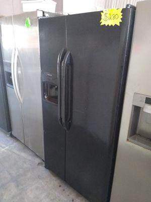 Whirlpool side by side fridge black for Sale in San Bernardino, CA