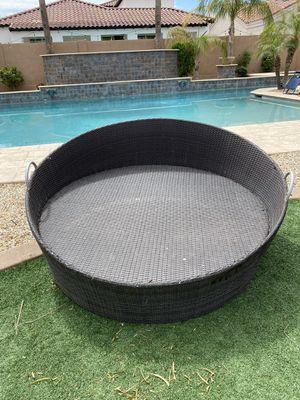 Round Futon Outdoor Furniture 5ft diameter for Sale in Chandler, AZ