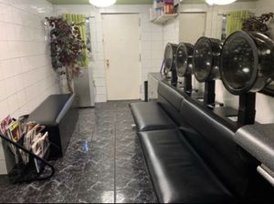 Beauty Salon Furniture for Sale in Brooklyn, NY
