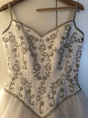 Size 10 GORGEOUS Wedding Dress •••MAKE AN OFFER *** for Sale in Tempe, AZ