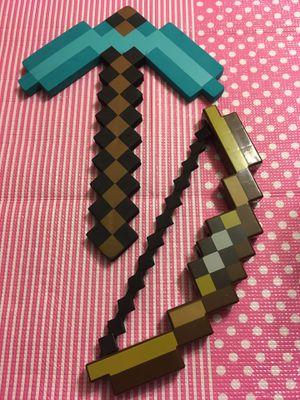 Two piece Minecraft toy, Halloween, for Sale in Redmond, WA
