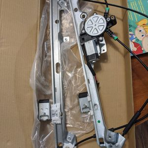 99-04 Chevy Silverado Window Regulator And Motor for Sale in Olympia, WA
