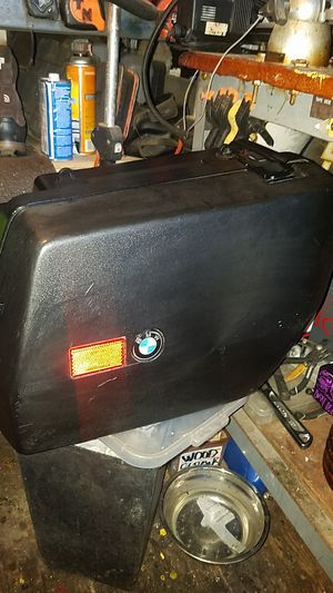 bmw motorcycle right side hard box. for Sale in Bay Point, CA