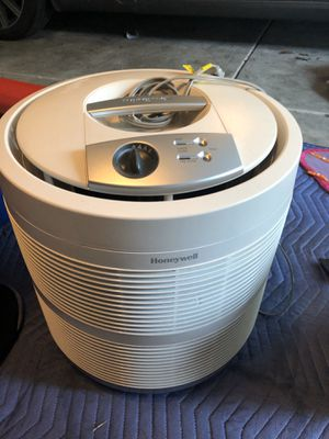 Honeywell 50250-S True HEPA Air Purifier for Sale in Woodinville, WA