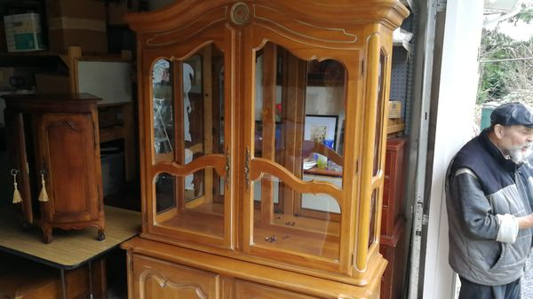 Ethan Allen Country Hutch with Light