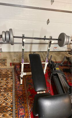 Bench Press With Dumbbells for Sale in Dearborn,  MI