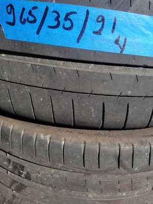 Set of 4 used tires size265/35 / 21 for Sale in Nashville, TN