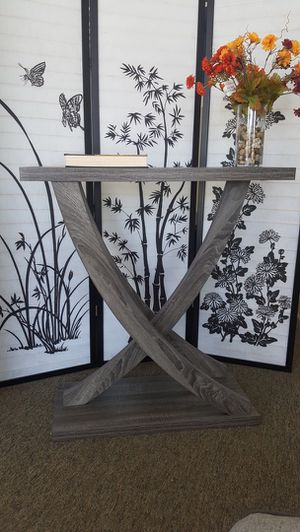 Leslie Crossing Legs Console Table, Distressed Grey for Sale in Fountain Valley, CA