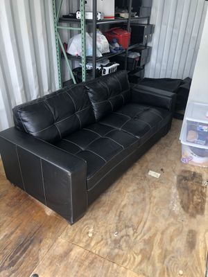 Black Leather Couch for Sale in Land O' Lakes, FL