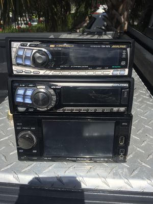 3 CD stereo for Sale in West Palm Beach, FL