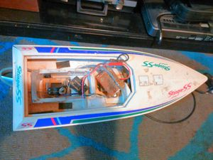 RC boat for parts for Sale in Staunton, IL