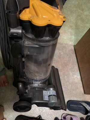 Dyson vacuum for Sale in Trenton, MI