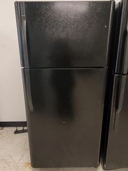 Kenmore Top Freezer Refrigerator Used Good Condition With 90day's Warranty for Sale in Mount Rainier,  MD
