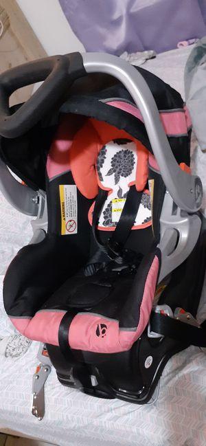 BabyTrend Infant carseat for Sale in Lakeland, FL