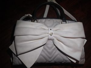 BETSEY JOHNSON PURSE for Sale in Puyallup, WA