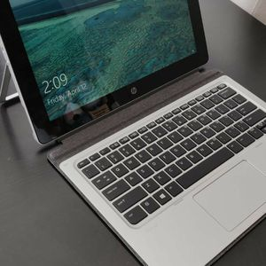 Hp Laptop 1012 G1 Intel M7 Processor Barely Used for Sale in Orlando, FL
