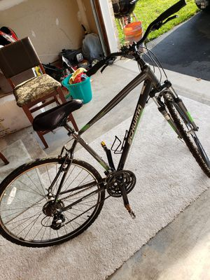Schwinn hybrid bike size M 29 for Sale in NO POTOMAC, MD