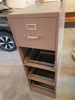 4 Drawer Legal Size File for Sale in Leavenworth,  WA
