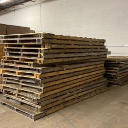 Large Pallets for Sale in Reston,  VA